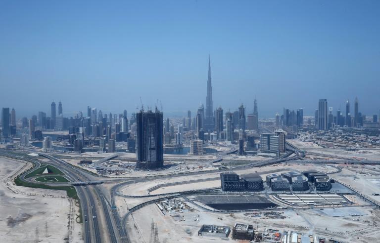 Dubaï lance la construction de la tour