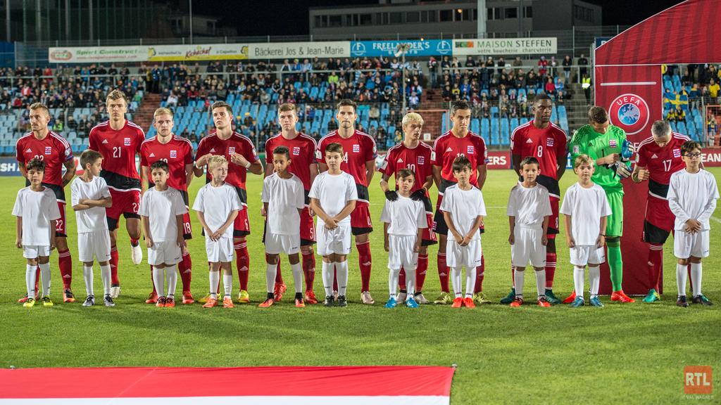 Pays-Bas et Suisse au petit trot — Soccer