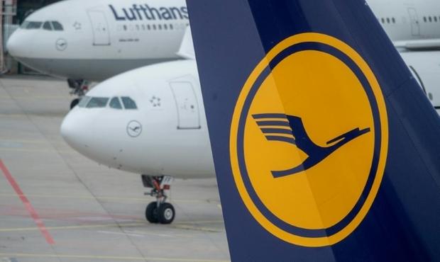 Grève chez Lufthansa: plus de 800 vols annulés vendredi, une centaine samedi