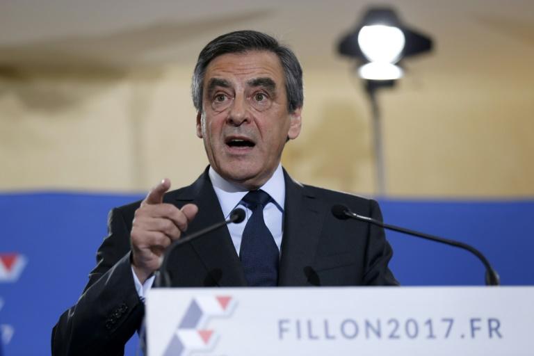 François Fillon réorganise son parti en vue de la présidentielle — France