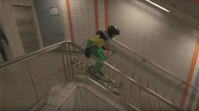 Il skie dans le métro de Toulouse et ça cartonne (vidéo)