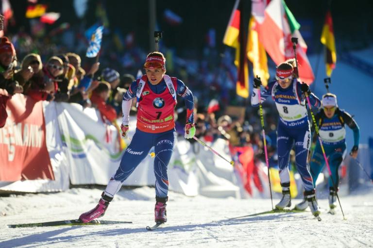 Victoire d'Akimova, Anaïs Chevalier 2e du sprint 7,5 km dames — Biathlon