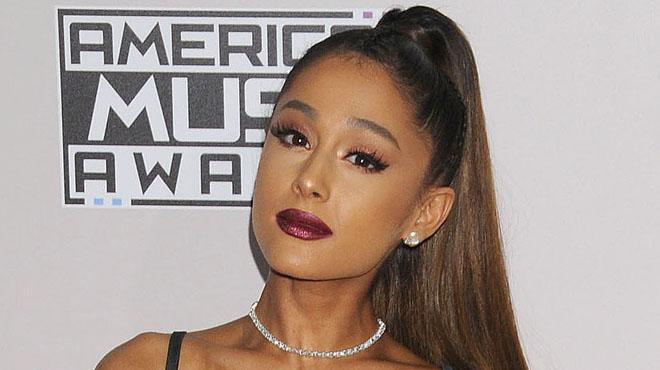 2016-12-28 - Ariana Grande se vide le coeur