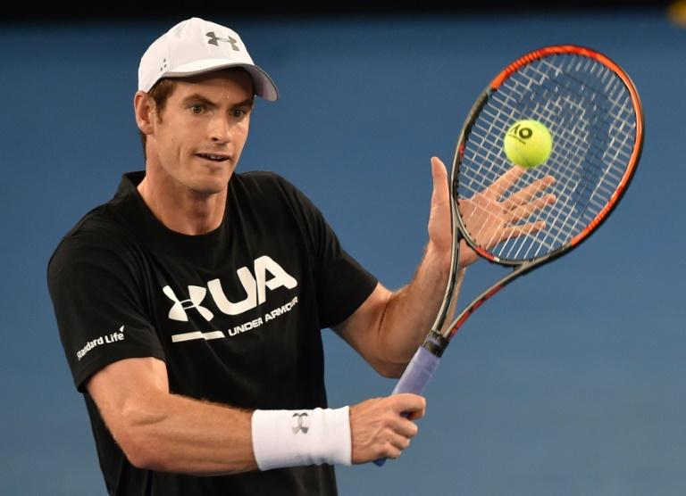 Andy Murray gagne facilement, malgré une cheville qui l'a lâché — Open d'Australie