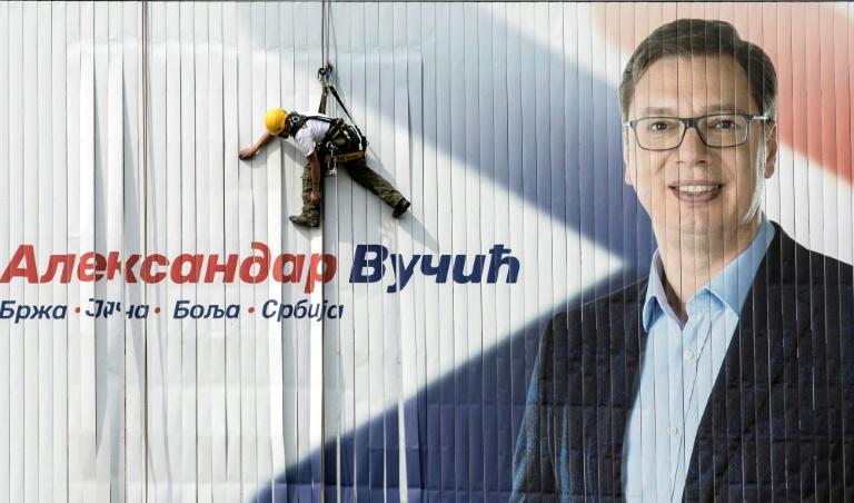 L'homme fort Vucic face à 10 candidats — Présidentielle en Serbie