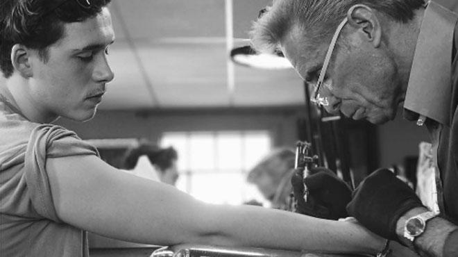 Le premier tatouage de Brooklyn Beckham fait déjà polémique