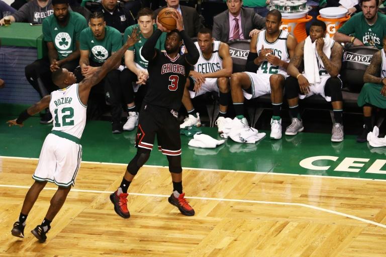 NBA: l'émotion d'Isaiah Thomas après le décès tragique de sa sœur