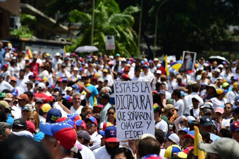 Le bilan s'alourdit à 12 morts — Violences au Venezuela