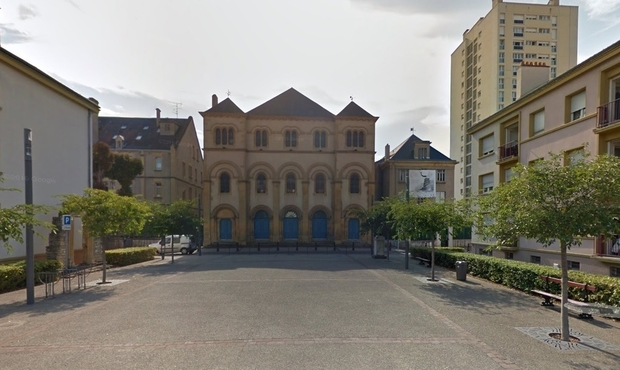 Voiture suspecte près de la synagogue, intervention des démineurs — Metz