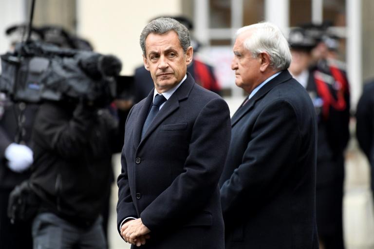 Présidentielle: Sarkozy va annoncer qu'il votera Macron au second tour