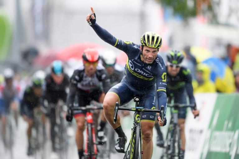 Michael Albasini (Orica-Scott) remporte la première étape au sprint