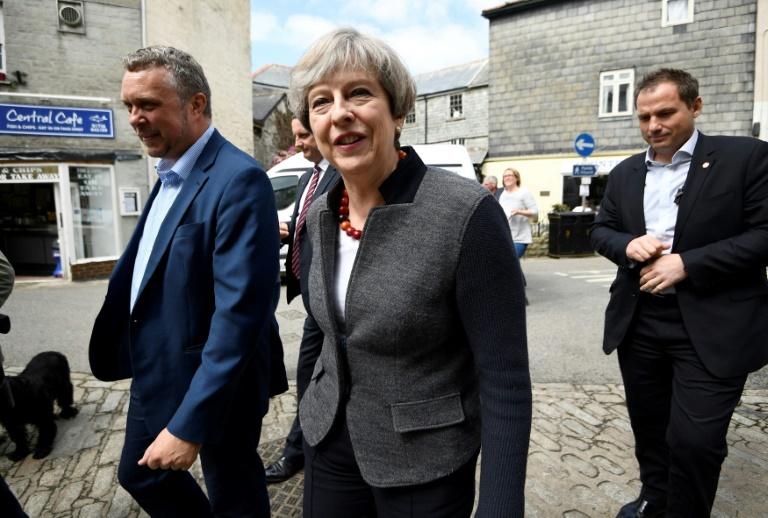 Large victoire des Tories de Theresa May aux élections locales — Royaume-Uni