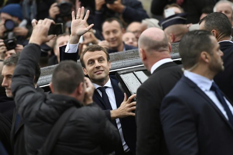 Valls pas investi mais épargné
