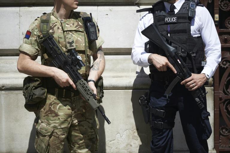 Attentat à Manchester - Ariana Grande interrompt sa tournée après l'attentat de Manchester