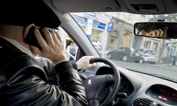 SÉCURITÉ Portable au volant : vers davantage de sanctions ?
