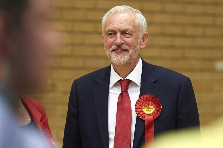 Législatives au Royaume-Uni : Theresa May perd sa majorité absolue