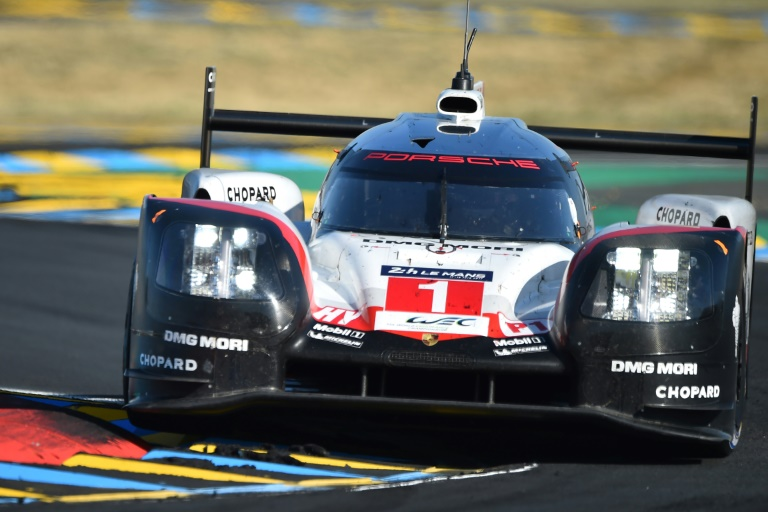 Le trio Bamber-Bernhard-Hartley remporte les 24 Heures du Mans
