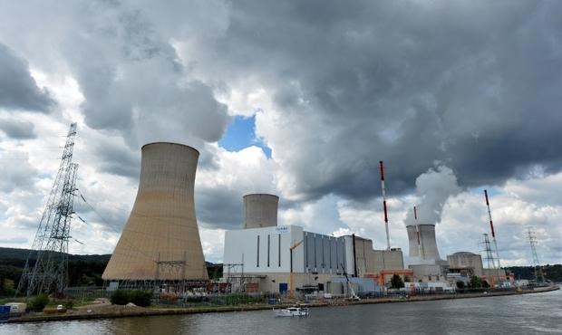 Une gigantesque chaîne humaine pour la fermeture de réacteurs nucléaires