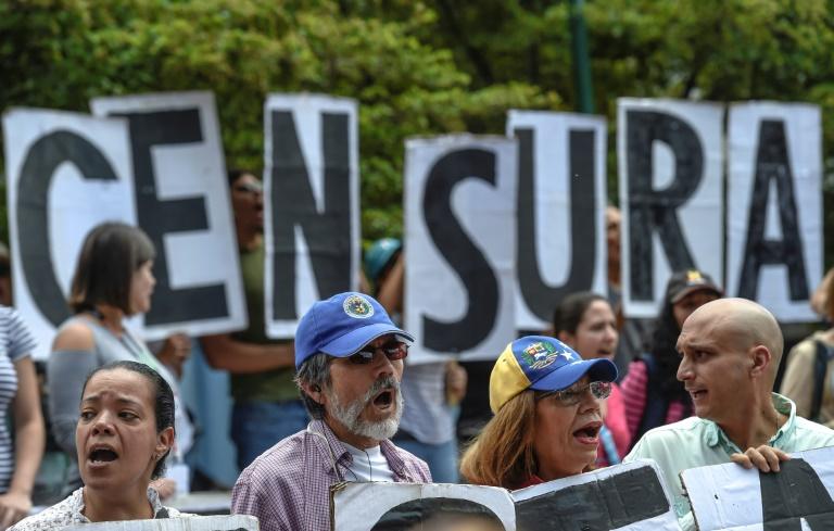 Un hélicoptère défie Maduro à Caracas — Venezuela
