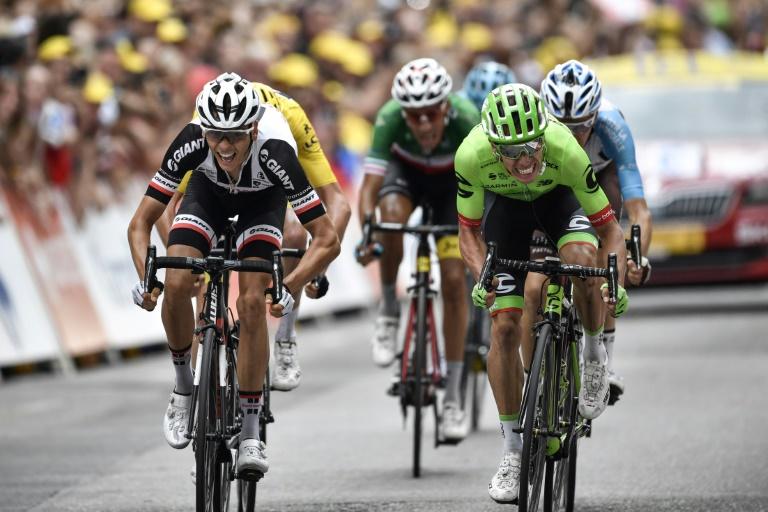 Geraint Thomas met en vente son maillot en lambeaux — Tour de France