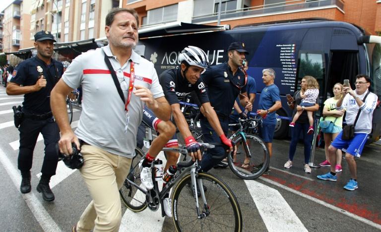 Le bus de la formation Aqua Blue Sport incendié sur la Vuelta