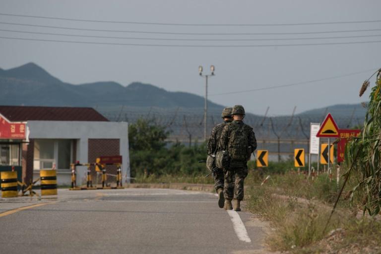 Des soldats sud-coréens dans la zone démilitarisée frontalière entre les deux Corées le 4 septembre 2017