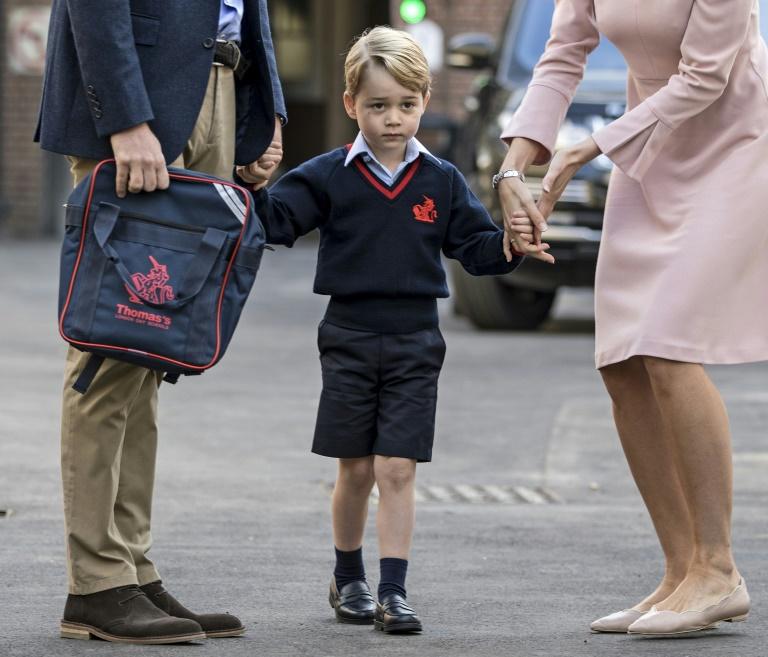 DIAPORAMA - Le prince George fait sa première rentrée