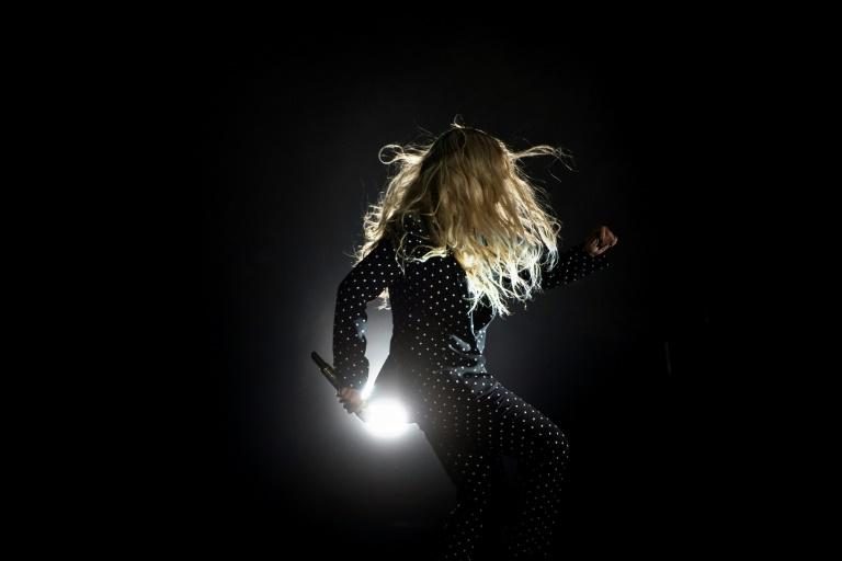 Beyoncé chante en trois langues pour les victimes de catastrophes naturelles