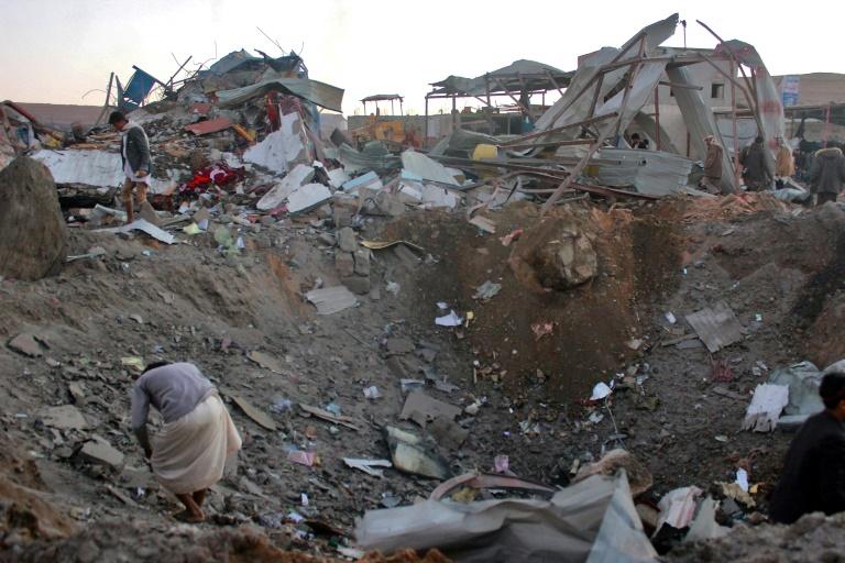 Un raid attribuée aux Saoudiens sur l'aéroport de Sanaa — Yémen