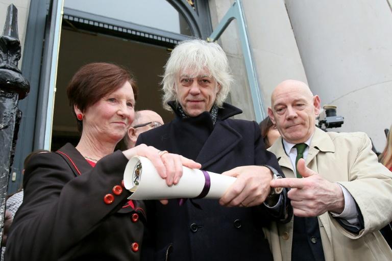Bob Geldof accuse Suu Kyi