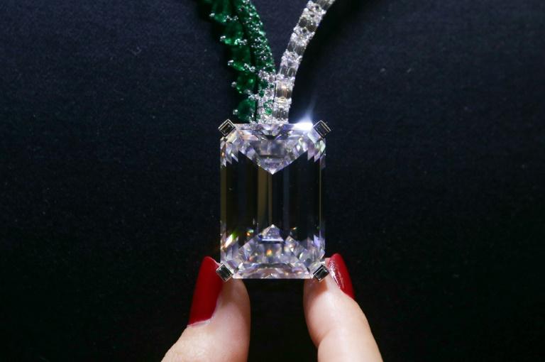 Christie's : découvrez le diamant le plus cher jamais vendu aux enchères