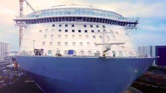 STX France remet le plus gros paquebot du monde