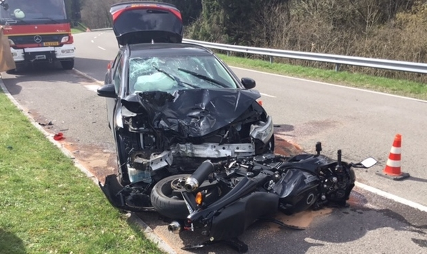 RTL Today - Update: Motorcycle crash: Motorcyclist dies after