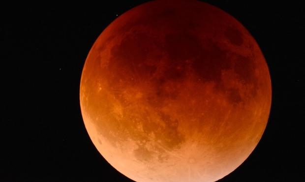 Éclipse totale de Lune: c'est pour ce soir !