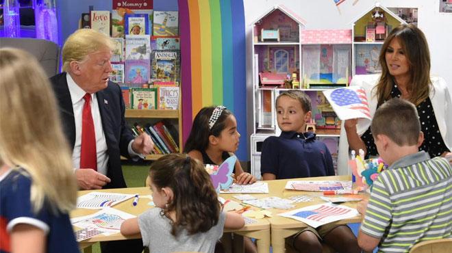 Donald Trump colorie mal le drapeau américain, les internautes s'en amusent
