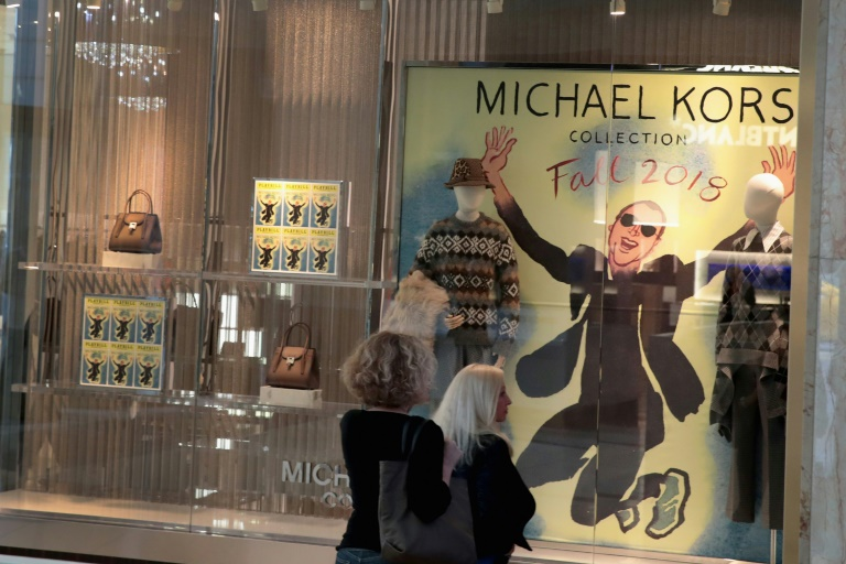 44ab032fec RTL Today - Michael Kors bags Versace for $2.1 bn