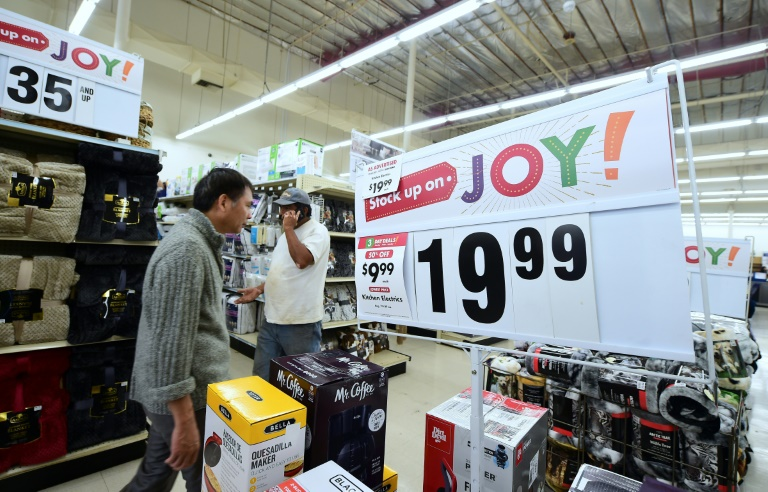 c984a898e4a41f RTL Today - Retailers look to millennials for holiday shopping cheer