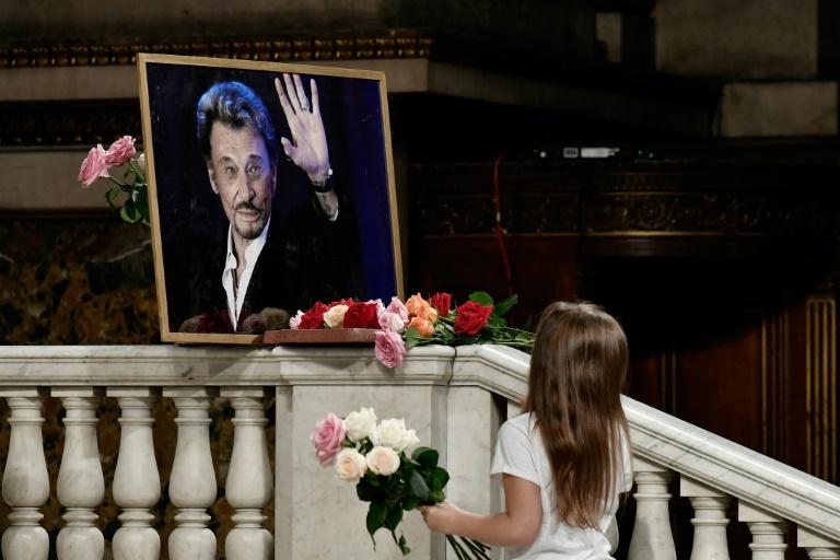 Une messe hommage, un an après — Johnny Hallyday