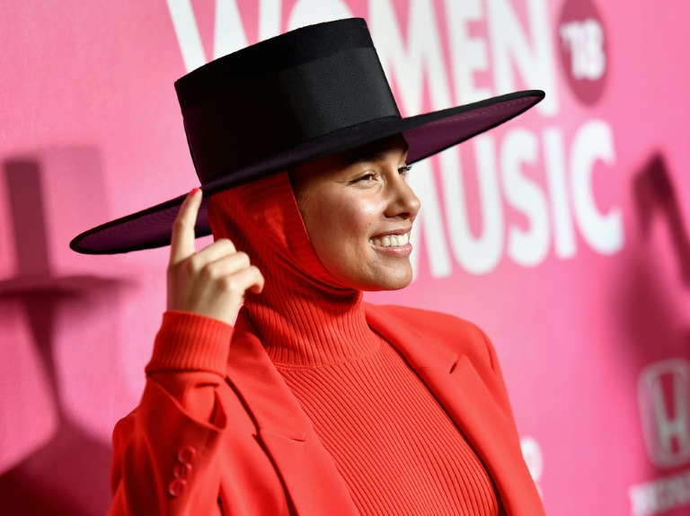 Alicia Keys remplace James Corden à la présentation — Grammy Awards