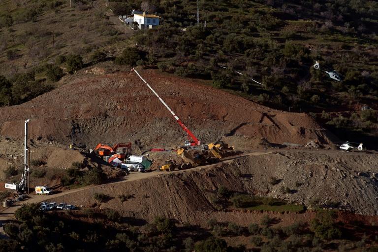 7e jour de recherches pour un enfant tombé dans un puits — Espagne