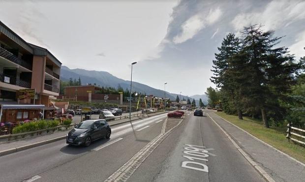 Hautes-Alpes: 4 jeunes se tuent dans un accident de la route