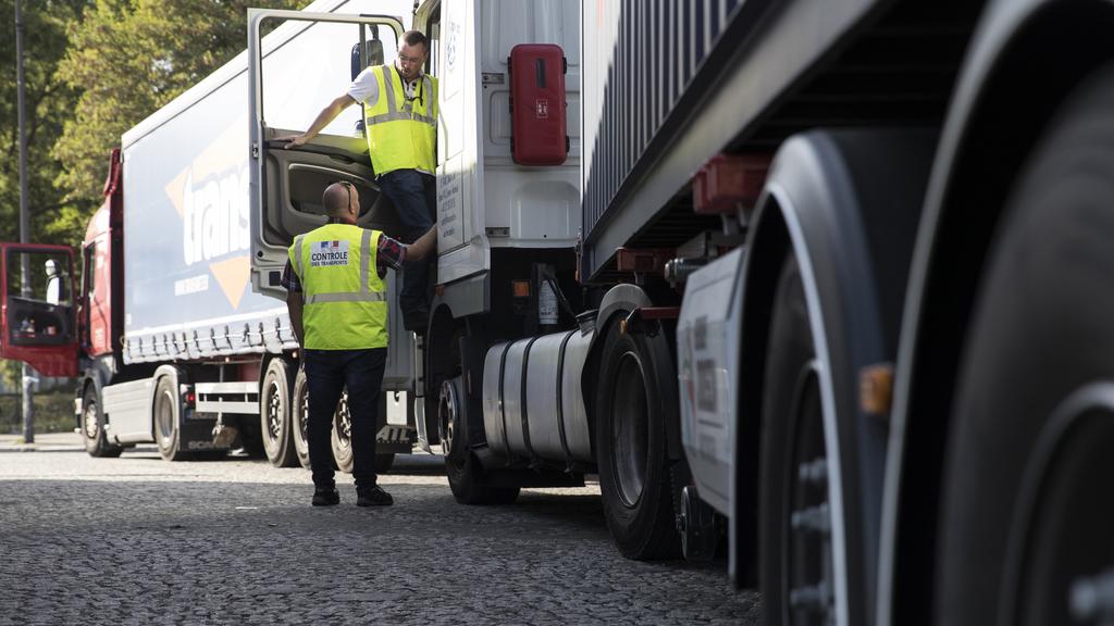 France :Ivre mort, un routier belge se gare au milieu de la route pour dormir