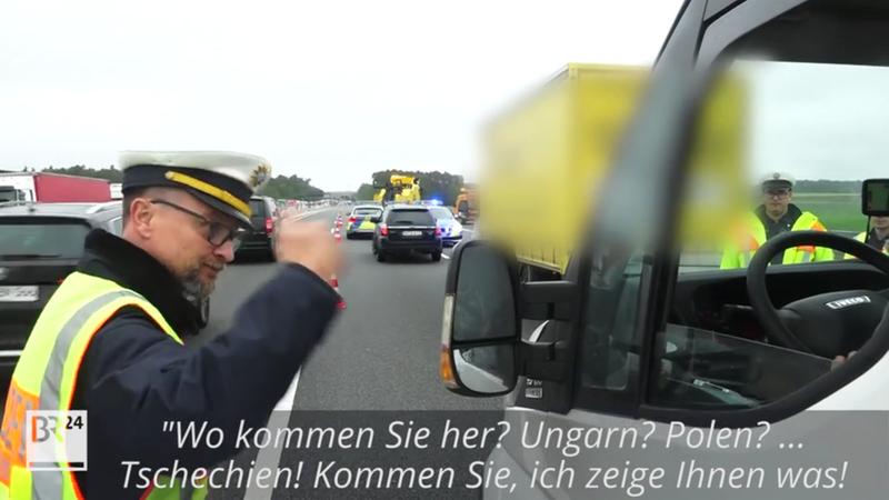 """Accident mortel :""""Tu veux voir les morts?"""": un policier donne une leçon aux curieux"""