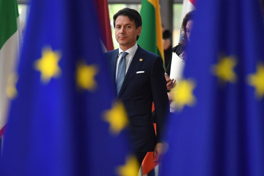 Giuseppe Conte :Le chef du gouvernement italien claque la porte