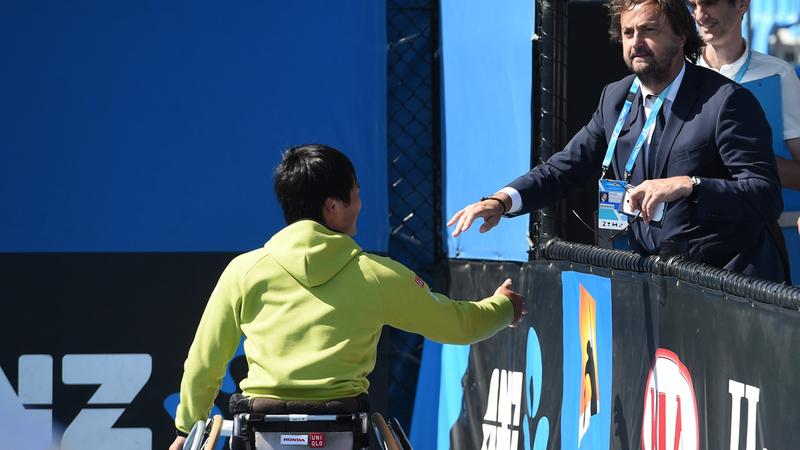 Journée Handicap International: Henri Leconte va jouer un match de tennis au Luxembourg - RTL 5 Minutes