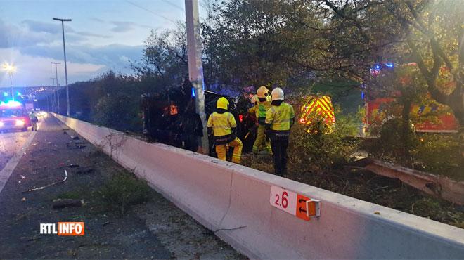 Accident mortel :Un véhicule percute violemment un poteau sur l'autoroute près de Liège