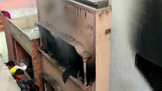 New Delhi :Plus de 40 morts dans l'Incendie d'une usine