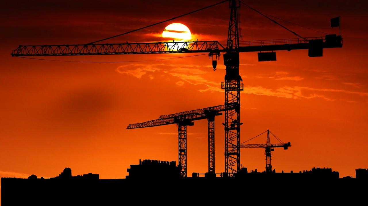 """Les chantiers à l'arrêt :Bâtiment: """"les carnets de commandes seront toujours pleins"""""""
