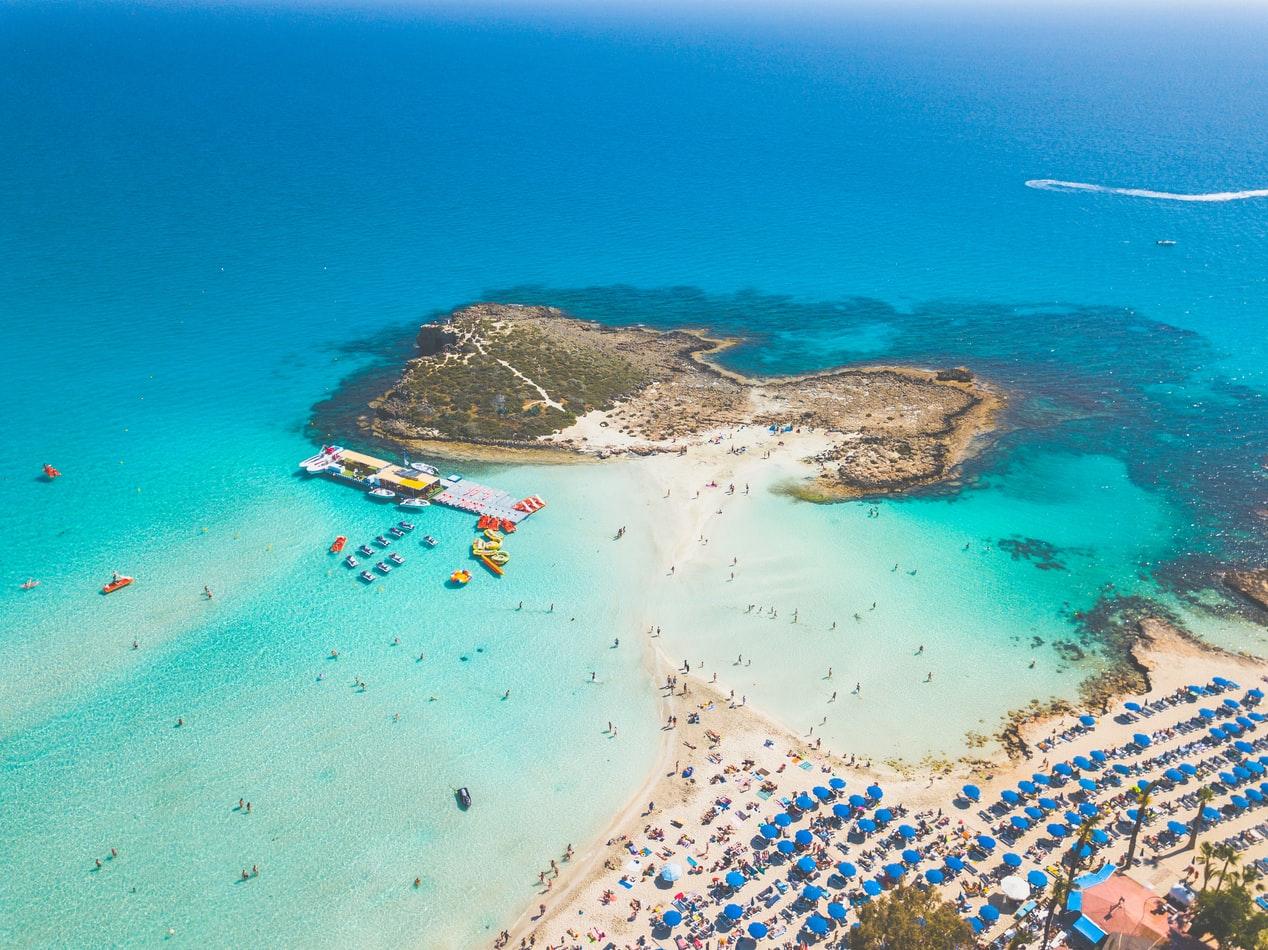 Tourisme :Chypre promet de payer les soins des touristes ayant attrapé le Covid-19 sur l'île
