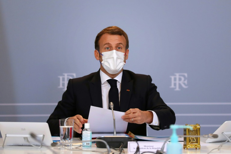 Déconfinement, vacances, vaccins... :Macron attendu ce soir pour alléger les contraintes